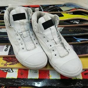 Cool white converse! Size 6